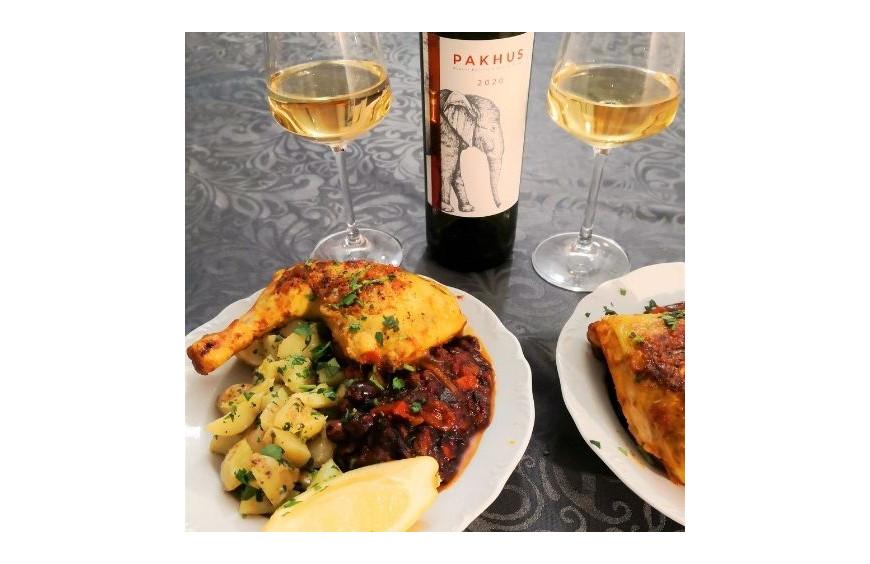 Accord met vin du 26 Mars 2021 : tajine de poulet aux olives et poivrons rouges et Pakhus
